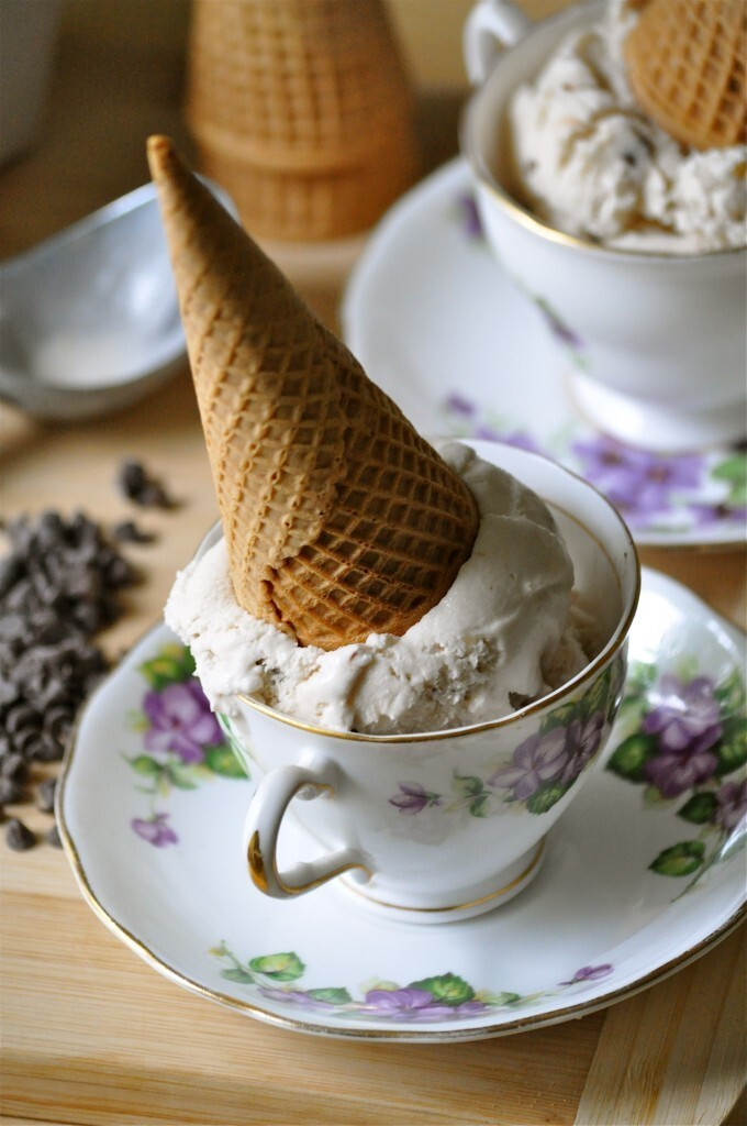 Vegan and Deceivin' | Vanilla Macadamia Nut Coffee Coconut Ice Cream