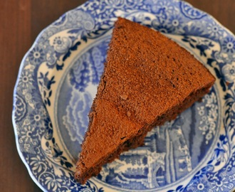Recipe: Flourless Almond & Amaretto Chocolate Cake