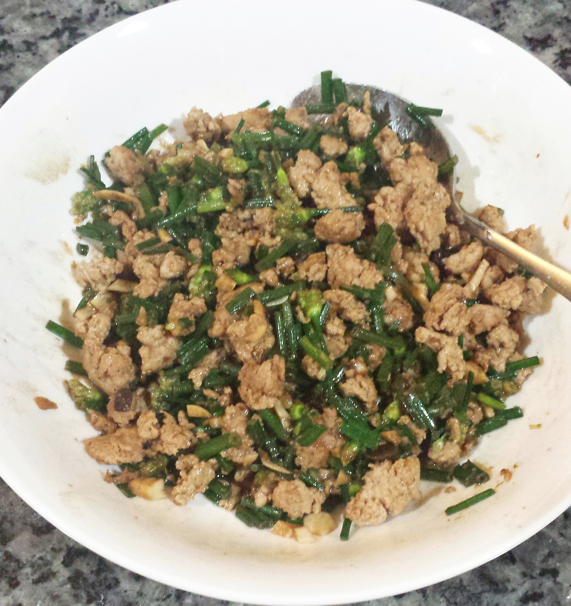 Ground Pork with Flower Chives