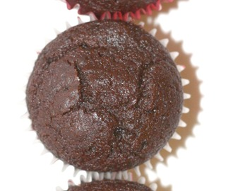 """the best chocolate muffin you'll ever eat"" a.k.a. Schokoladen-Pudding-Muffins"