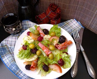 Salada de frutos do bosque com vinagrete de baunilha / Forest fruits salad with vanilla vinaigrette sauce