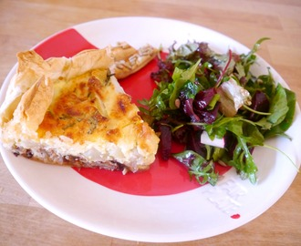 Quiche met noten, dadels, peer en geitenkaas