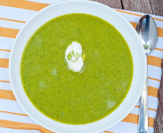 Pea soup with lettuce and mint (aka: clean out the fridge soup!)