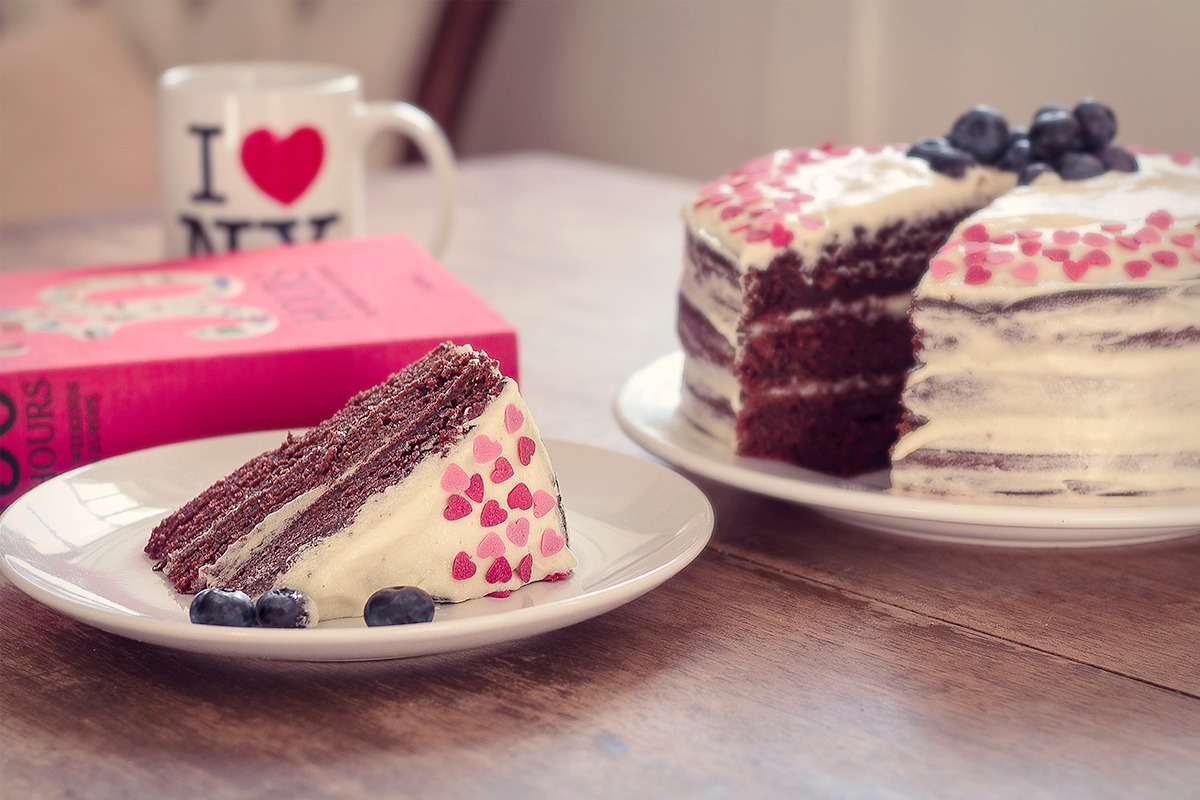Beetroot chocolate cake with vanilla cream cheese icing