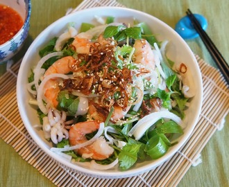Shrimp and Squid salad (Goi tom muc)