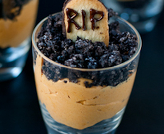 Pumpkin Dirt Pudding (Graveyard Parfaits) #SundaySupper
