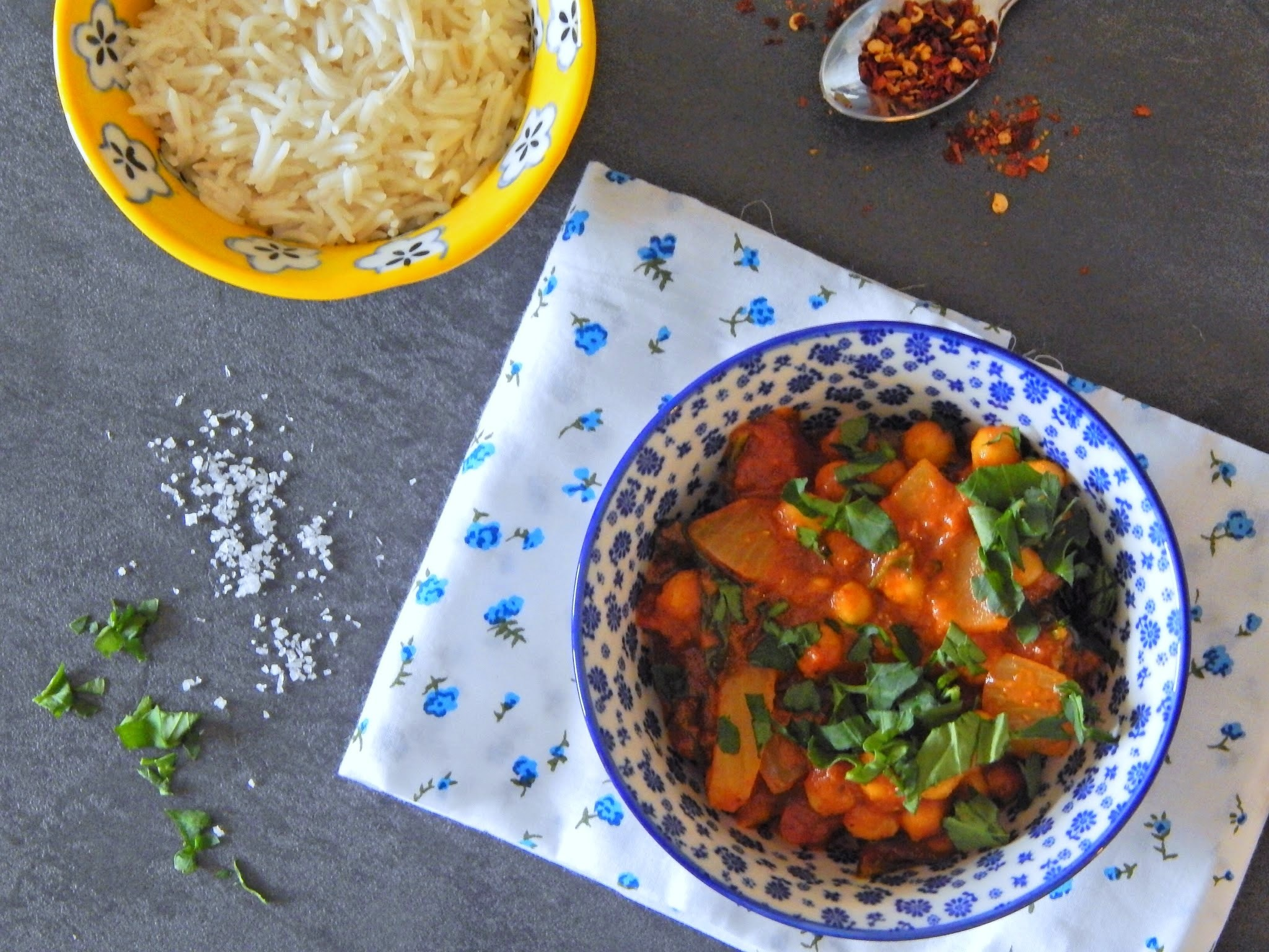 15-Minute Chickpea and Spinach Curry