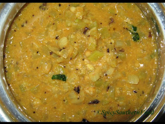 Bottle Gourd in Groundnut Curry - Sorakaya/Lauki Curry