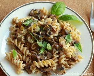 Cheesy mushrooms pasta