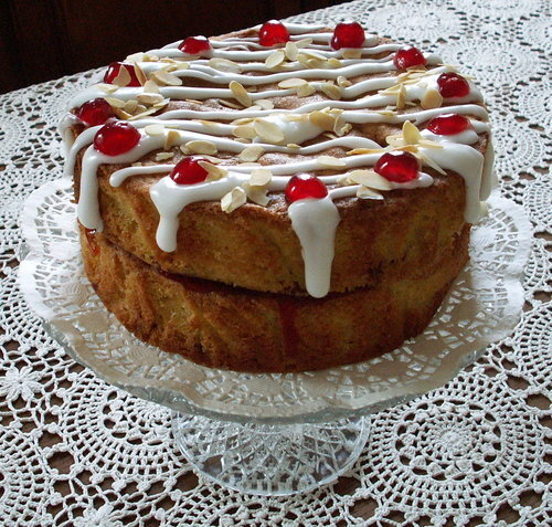 Lorna's Cherry Bakewell Cake – not quiet Mary Berry