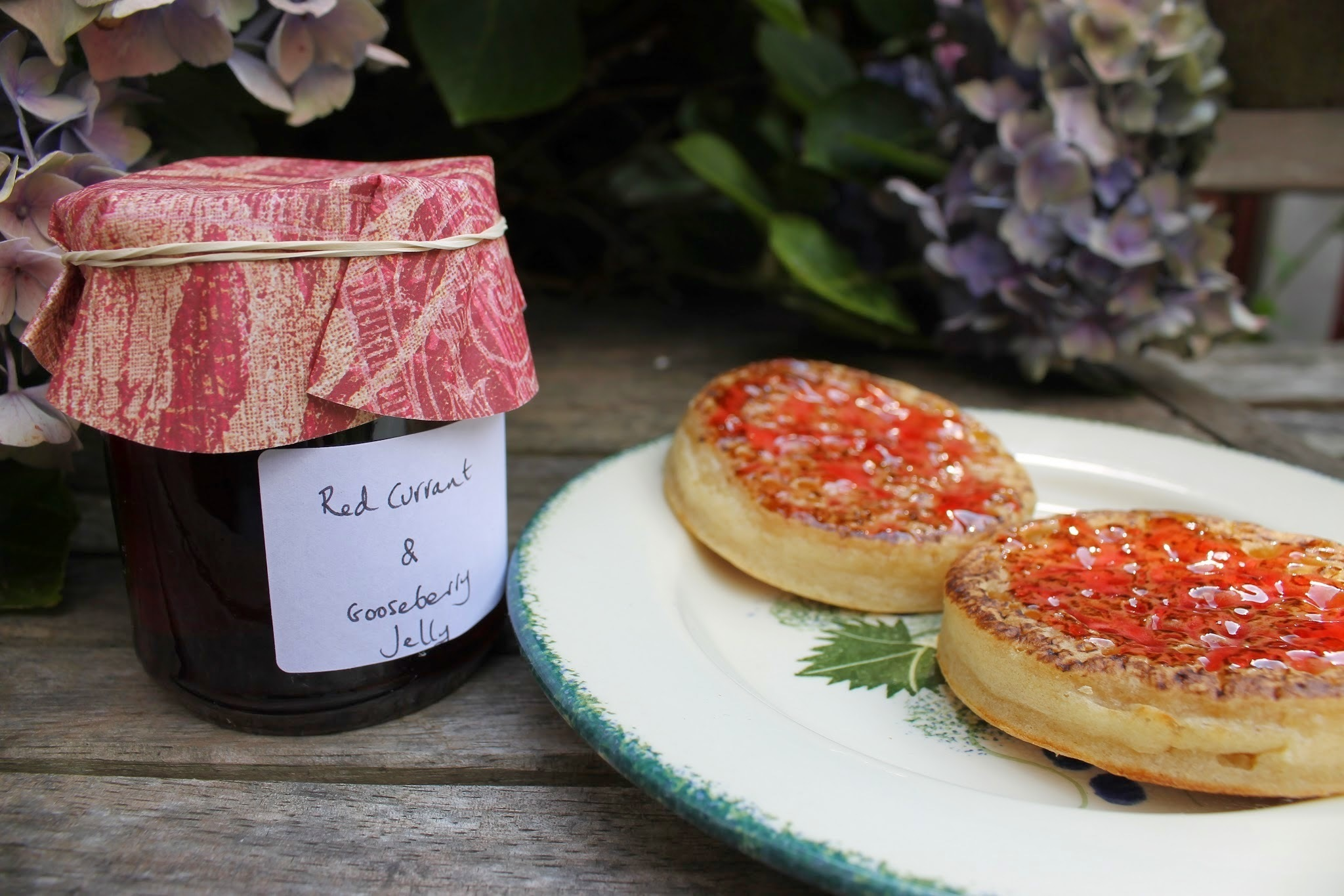 Redcurrant and gooseberry jelly