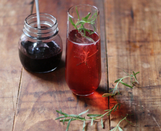 Summer Cocktail: Rosemary Infused Mulberry Prosseco