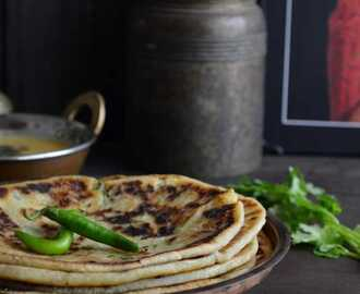 Aloo Paneer Kulcha / Potato & Cottage Cheese Stuffed Indian Flatbread (Stove Top Method)