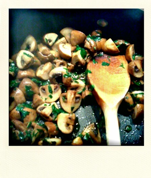 SAUTEED MUSHROOMS IN PARSLEY AND GARLIC
