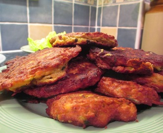 Spicy Courgette Fritters with Sweet Chilli Sauce
