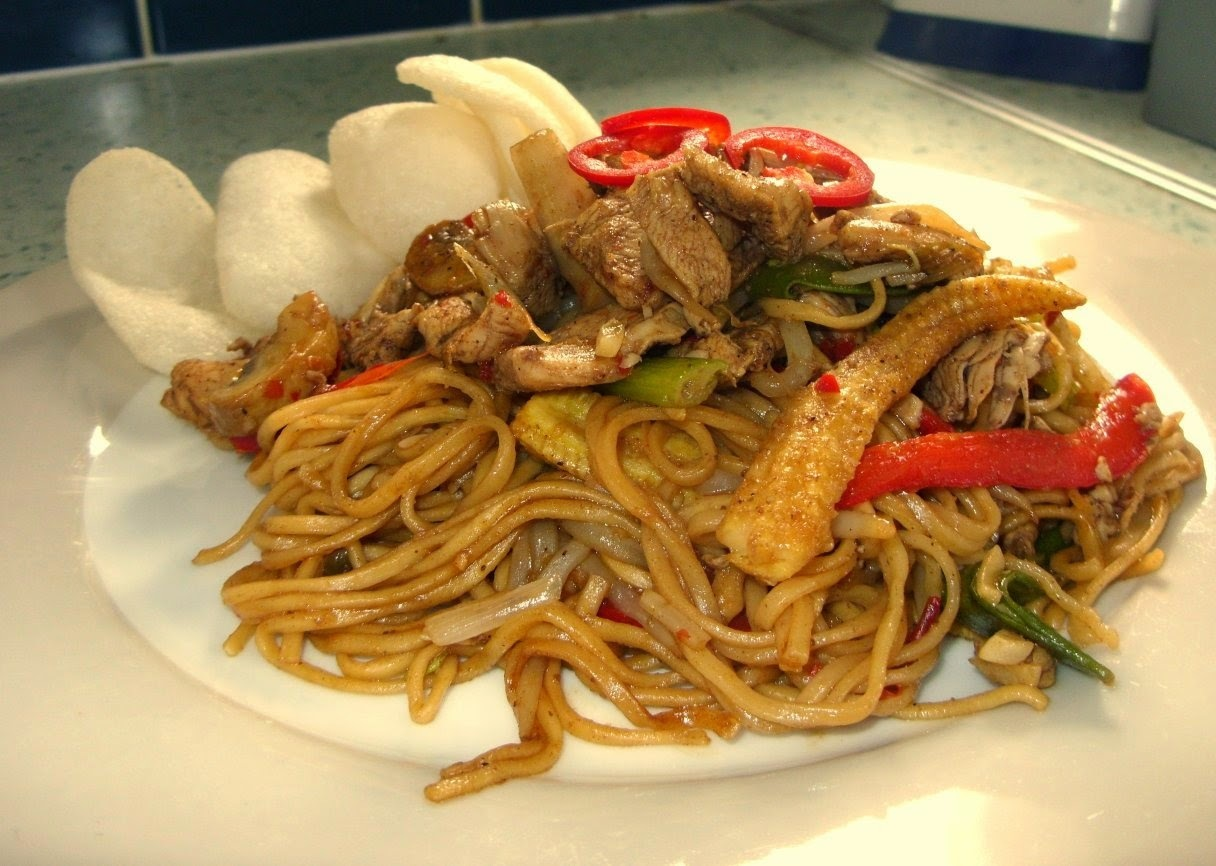 Chicken Chow Mein - who needs the takeaway?