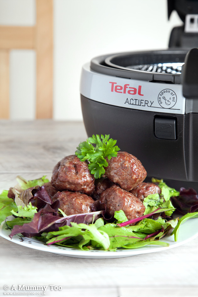 Win a Tefal ActiFry Snacking worth £199