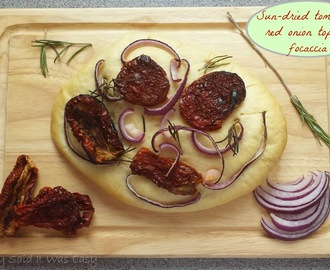 Recipe - Sun-dried tomato & red onion topped focaccia (#GreatBloggersBakeOff2014)