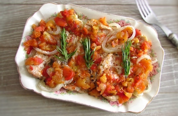 Turkey steaks in the oven with tomato | Food From Portugal