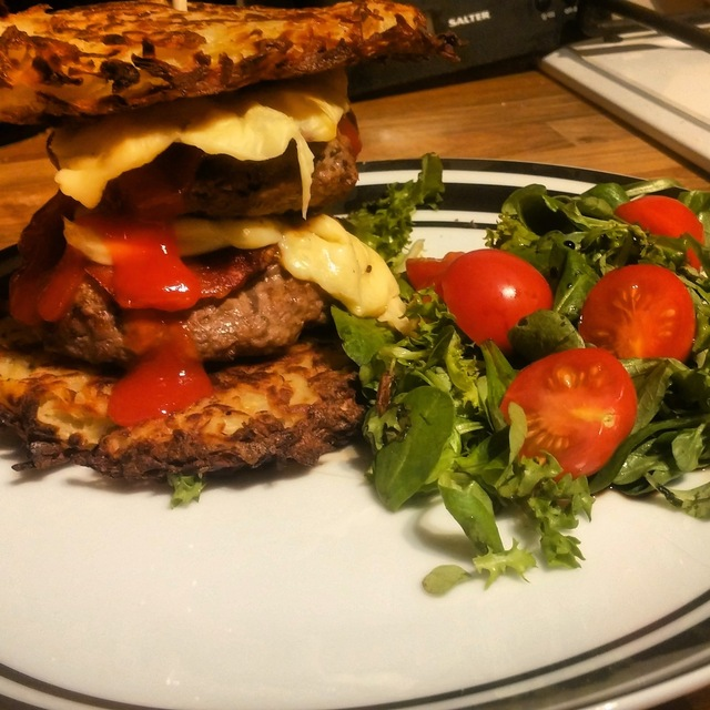 Slimming World Recipe: Double Bacon Cheese Rosti Burger