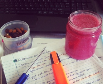 SATURDAY SMOOTHIE: Beauty and the beet! #studysnack