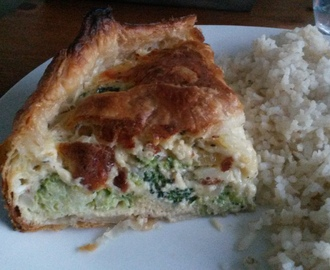 Quiche met ui en broccoli