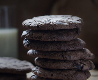 Chewy Triple Chocolate Cookies Recipe