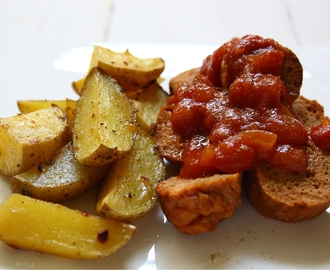 vegane Currywurst mit Potato-Wedges