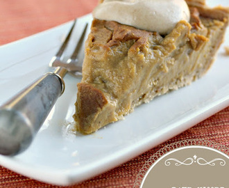 Thanksgiving Date-kissed Vegan Pumpkin Pie with Cashew Cream