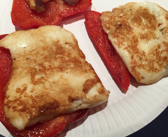 Pan fried Halloumi and red peppers
