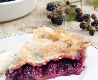 Traditional Homemade Blackberry & Apple Pie Recipe