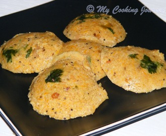 Oats and Godhumai Rava Idli / Oats and Broken wheat (Dalia) Idli