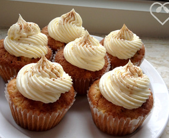 Appel cupcakes met witte chocolade topping