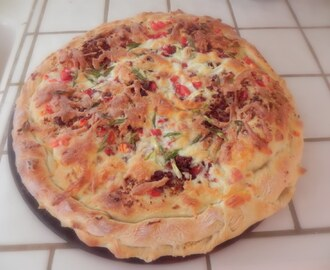 "Fake It  >>  ""Mama's"" Home-Made Version of ""Papa's"" Grilled Chicken & Bacon Stuffed Pizza"