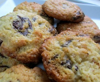 Easy-Peasy Chocolate Chip Cookies