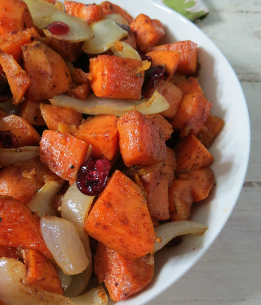 Honey and Cinnamon Glazed Sweet Potatoes #SundaySupper
