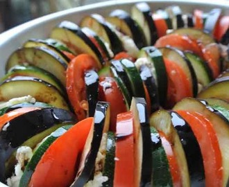 LOVE YOUR VEGGIES: Aubergine, courgette, tomaat & mozzarella