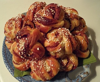Kanelbullar (Swedish Cinnamon Buns)