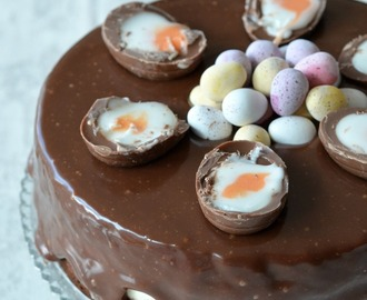 Creme Egg Cheesecake Cake