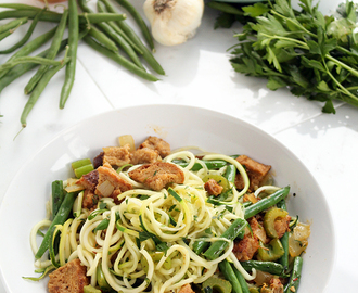 """Leftovers"" Zucchini Pasta (featuring Garlic Green Beans & Vegan Whole Wheat Stuffing)"