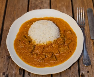 Indisk curry med naanbröd