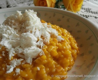Risotto con zucca, salmone affumicato e ricotta salata (Risotto with pumpkin, smoked salmon and ricotta salata cheese)