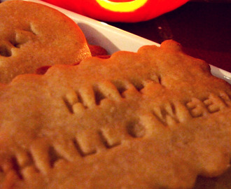 Halloween themed spiced honey shortbread