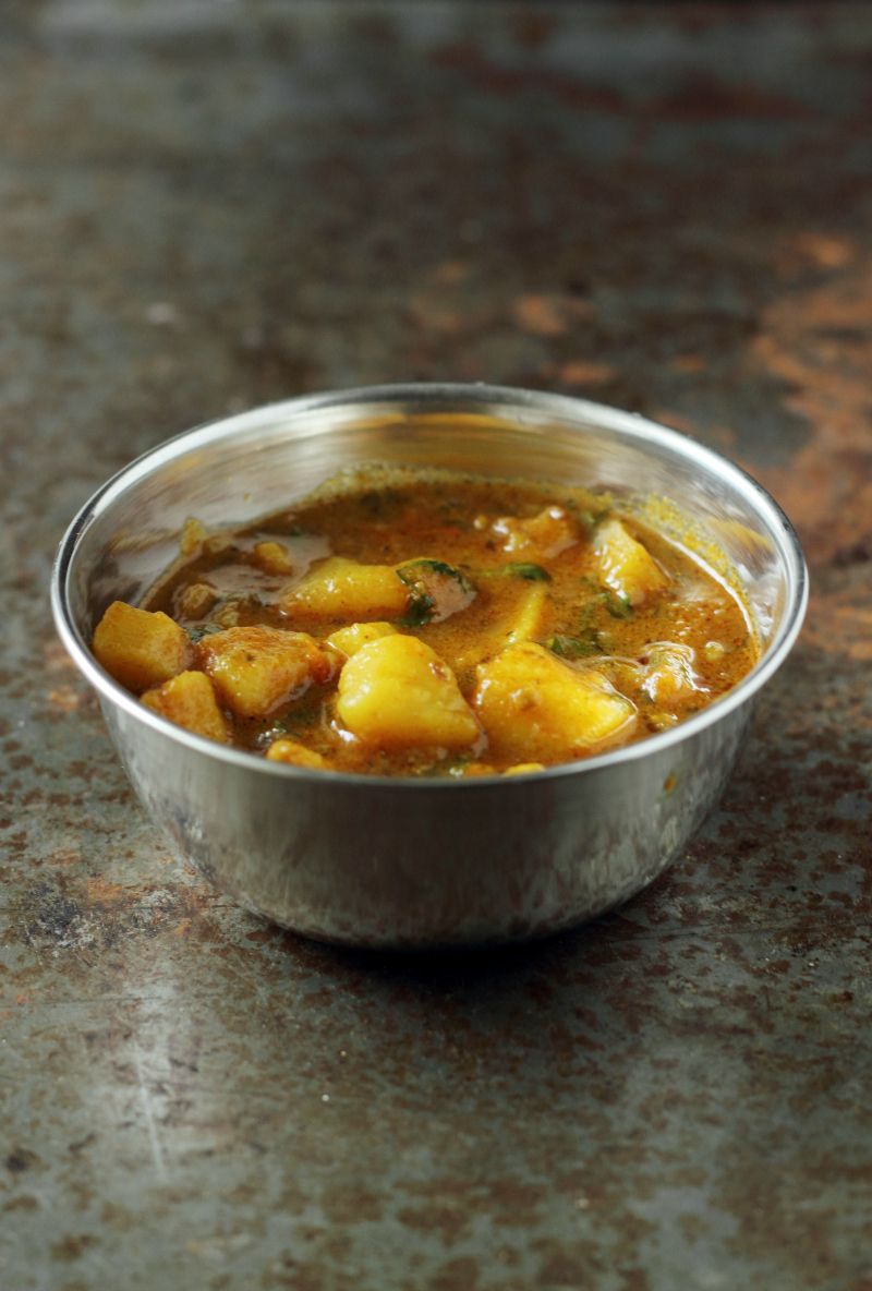 Aloo Tamatar Ki Subji For Puri Or Kachori