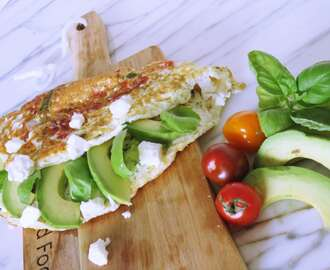 Power lunch: eiwit omelet met avocado en feta
