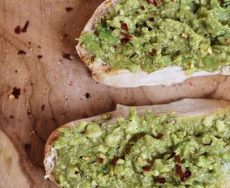 Recept: Avocado op Brood