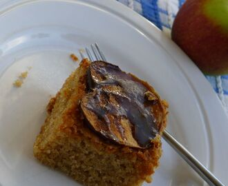 Spiced Toffee Apple Traybake