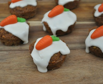 High Tea: Mini carrot cake