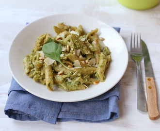 Pasta pesto en broccoli