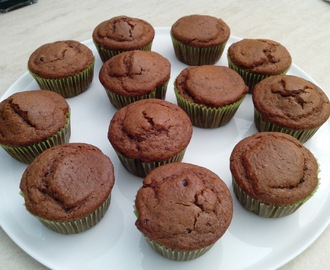 MUFFIN VEGAN AL CIOCCOLATO E YOGURT DI SOIA